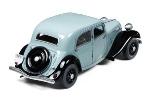 35301 Tamiya 1/35 Citroen Traction 11CV Staff car