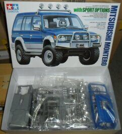Mitsubishi Montero w/Sports Options (1:24)